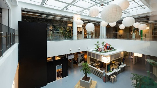 Photo shows IKEA's renovated store in Shanghai.