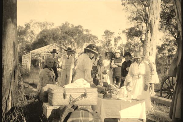 117379PD: 117379PD: Picnic at Tambellup, 22 November 1917. At far left: Mary Ellen Bradshaw.