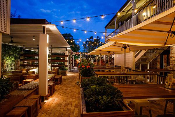 Norman Hotel - Brisbane's worst vegetarian restaurant