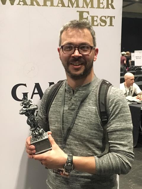 Gaming buddy Dave winning the Silver Golden Demon in the Large Model category