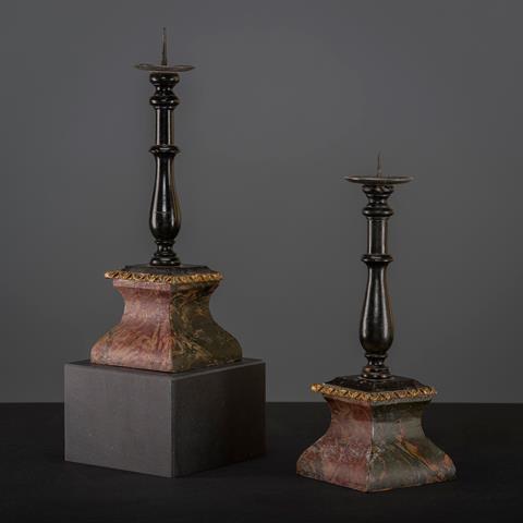Par danske lysestager
