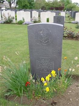 Lt Cdr Eugene Esmonde, Gillingham Woodlands Cemetery