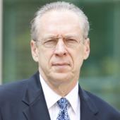 Dennis Jett