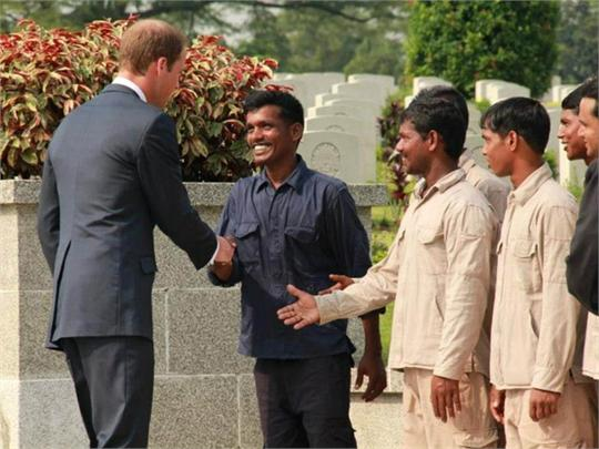 Prince&#32;William&#32;at&#32;Kranji&#32;War&#32;Cemetery,&#32;Singapore