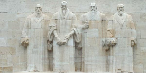 Geneva church statues