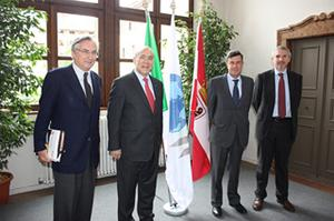 From left to right: Sergio Arzeni, Director of the Centre for entrepreneurship, SMEs and local development of the OECD, Angel Gurr�a, Secretary-General of the OECD, Carlo Maria Oliva, Ambassador, Permanent Representative to the OECD, Stefano Barbieri, Head of the OECD LEED Trento Centre