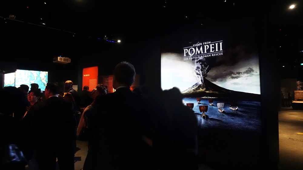 TexFrame Lightbox for ESCAPE FROM POMPEII exhibition