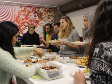Adobe staff raised funds at a special culinary event. © Adobe.