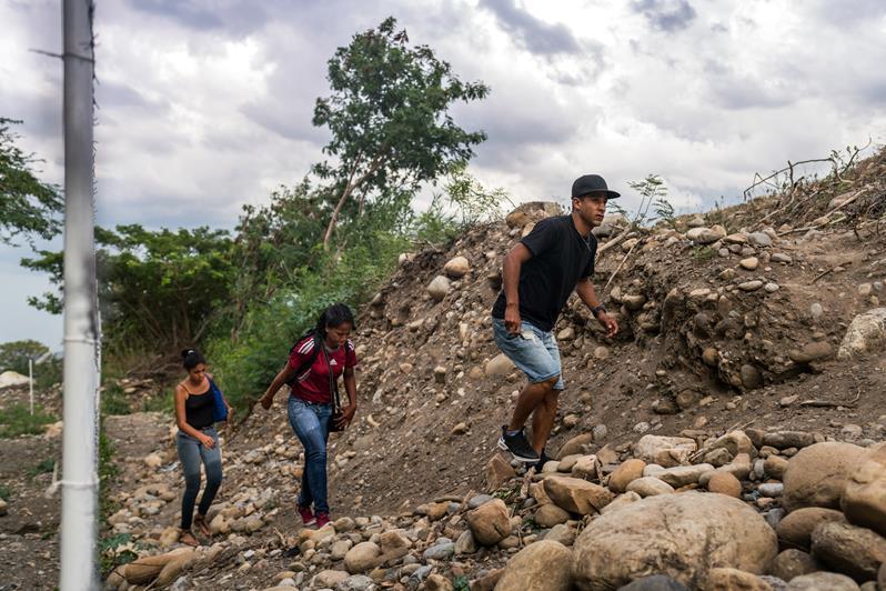 Venezuelan migrants cross the border into Cúcuta, September 2018.